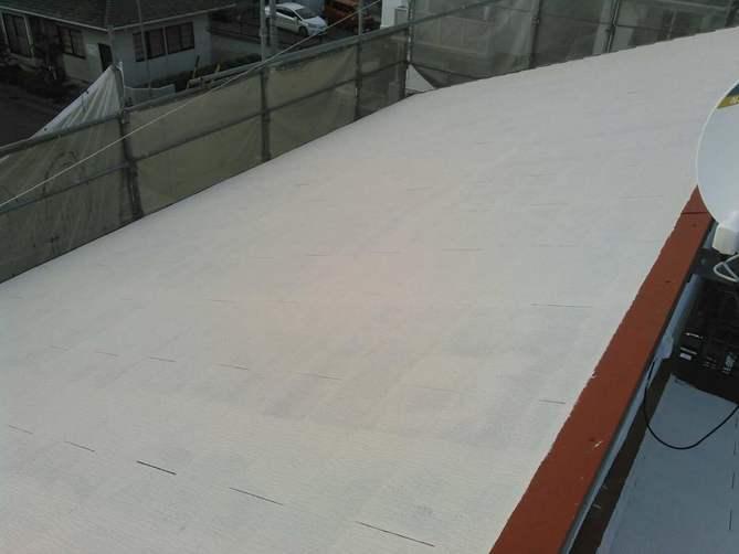 屋根中塗り作業完了