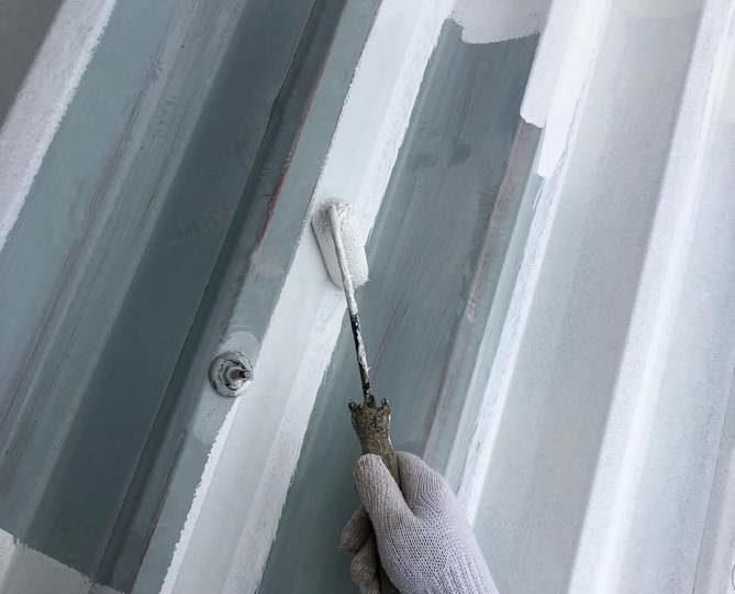 屋根下塗り作業