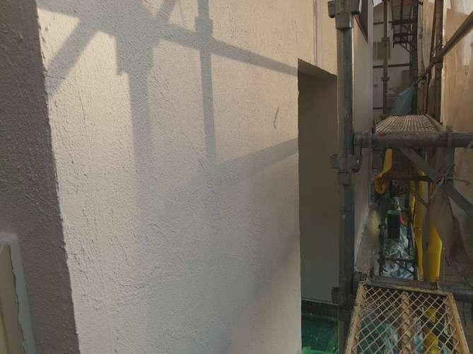 外壁上塗り作業(ジョリパット)