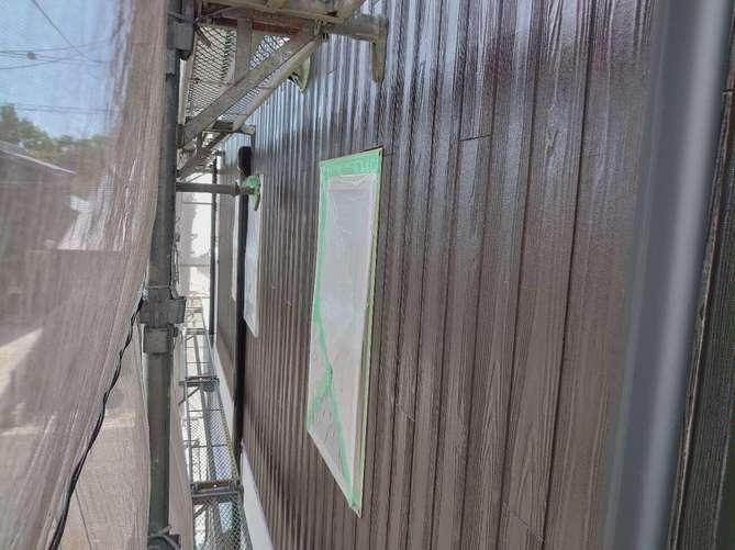 外壁下塗り作業(クリヤー)