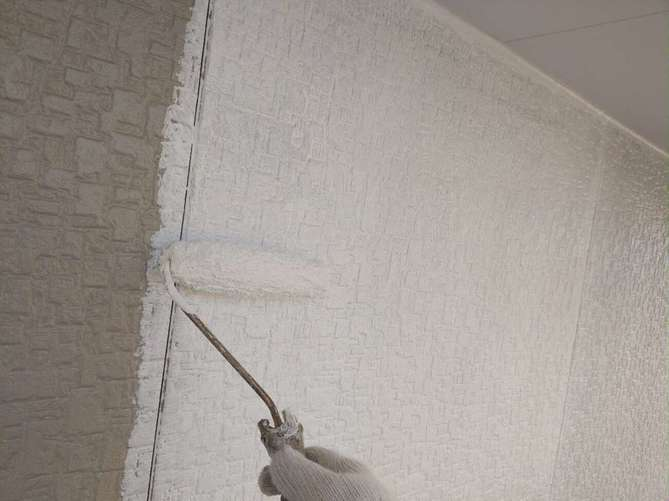 外壁下塗り作業