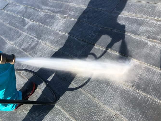 水洗い作業(屋根)