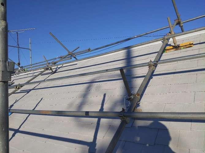 屋根下塗り作業(2回目)