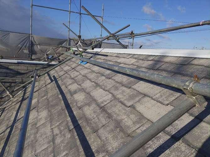 屋根下塗り作業(1回目)