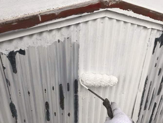外壁(トタン)下塗り作業