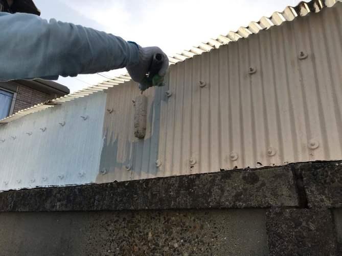 外壁(トタン)中塗り作業
