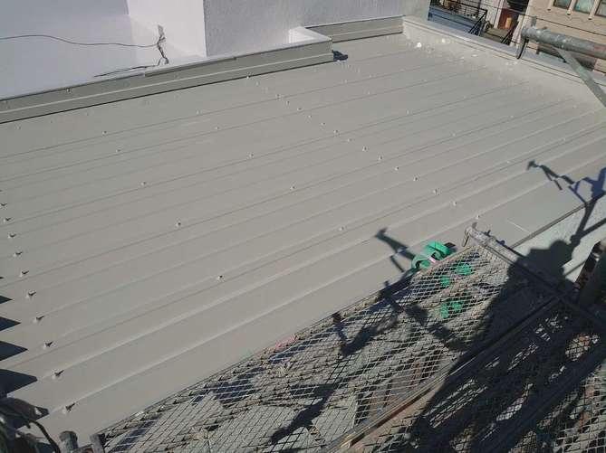 折半屋根 上塗り完了