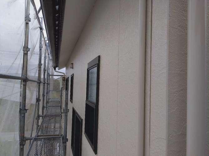 外壁上塗り作業