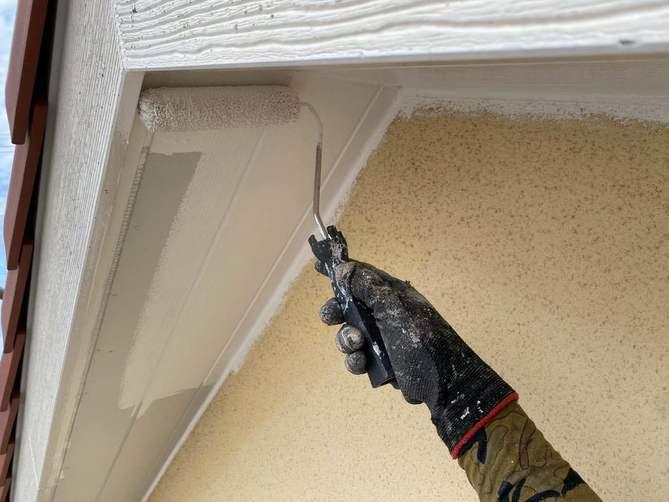 軒天塗装作業